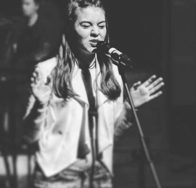 https://blovemusic.com/wp-content/uploads/2018/04/Robyn-Andrews2.docx.jpg