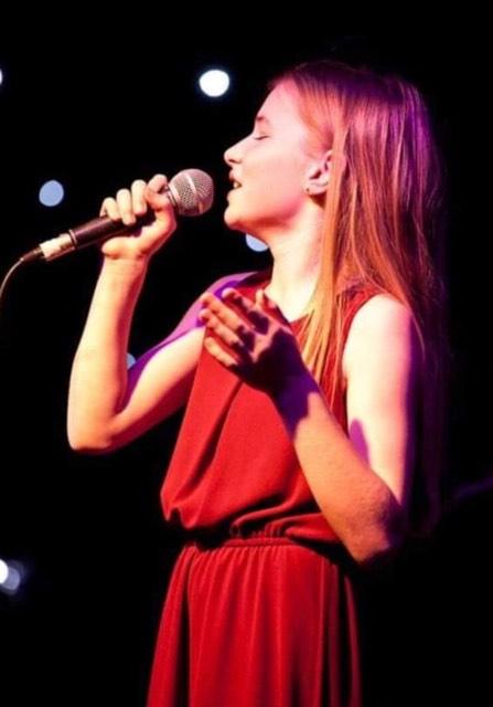 https://blovemusic.com/wp-content/uploads/2019/04/Piper-Elise.SunJam.2019.jpg